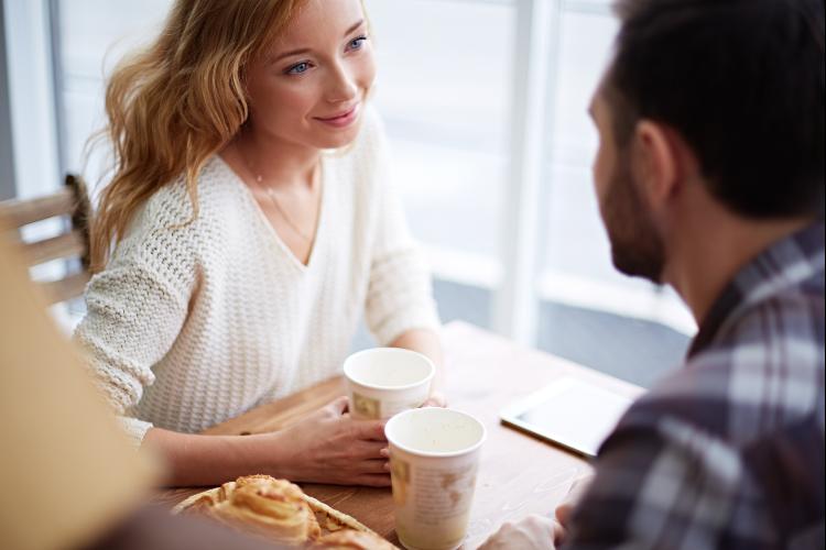 簡単に盛り上がる会話テクニック