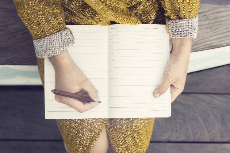 本音をノートに思い切り書きなぐる