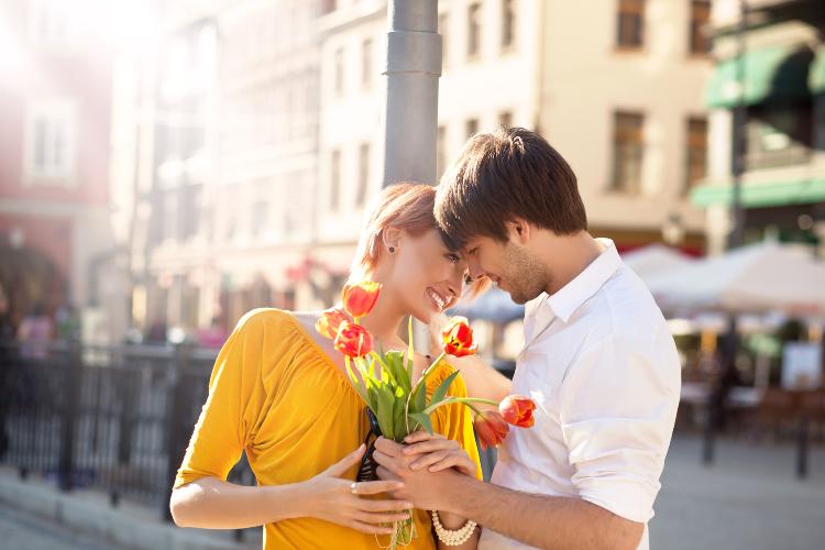 幸せなカップルのイメージ