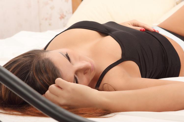 寝る前3分を習慣に!美乳を叶える呼吸法
