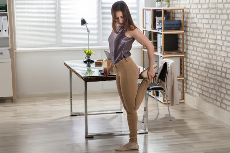 美容家が教えるオフィスワークの合間に取り入れたい2つの疲労リセット美容法